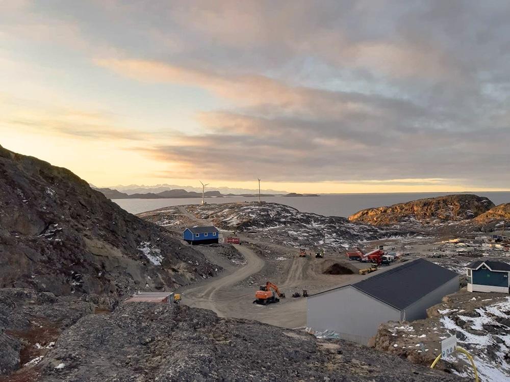 Smukt efterårsbillede af Viking Winds mølle på Grønland Foto: Jannik Kappel
